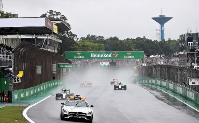 Hamilton Le Rinde Tributo A Senna Y Gana el GP de Brasil