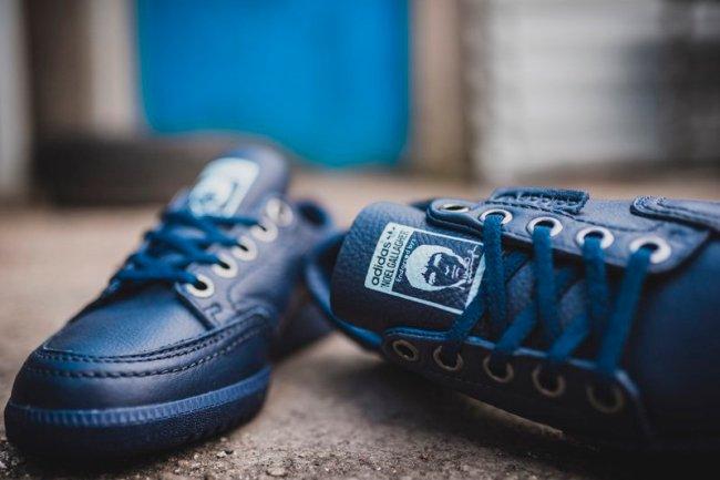 Adidas noel front