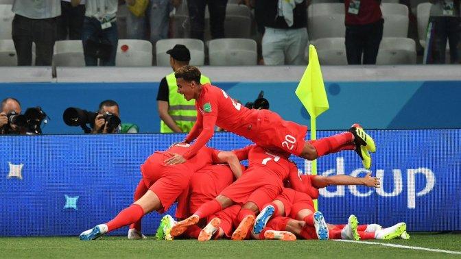 Inglaterra cambia ante Panamá