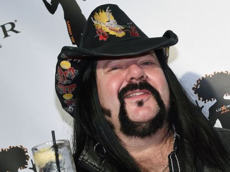 skynews-vinnie-paul-pantera_4343332