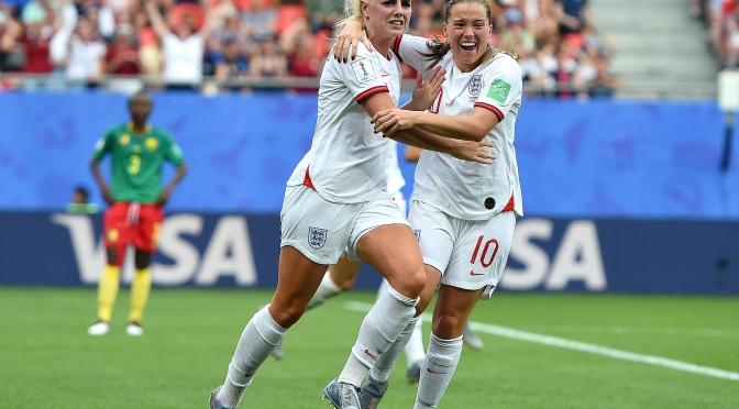 Inglaterra gana el duelo de Leonas